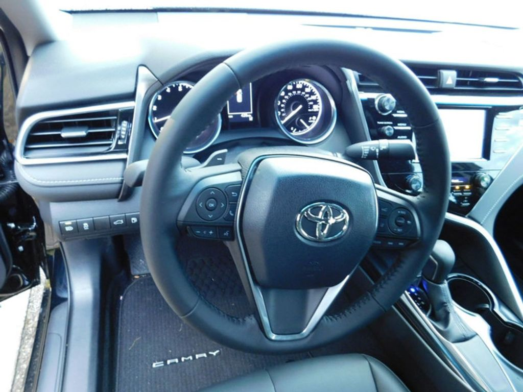 2018 Toyota Camry SE Automatic - 18289447 - 9