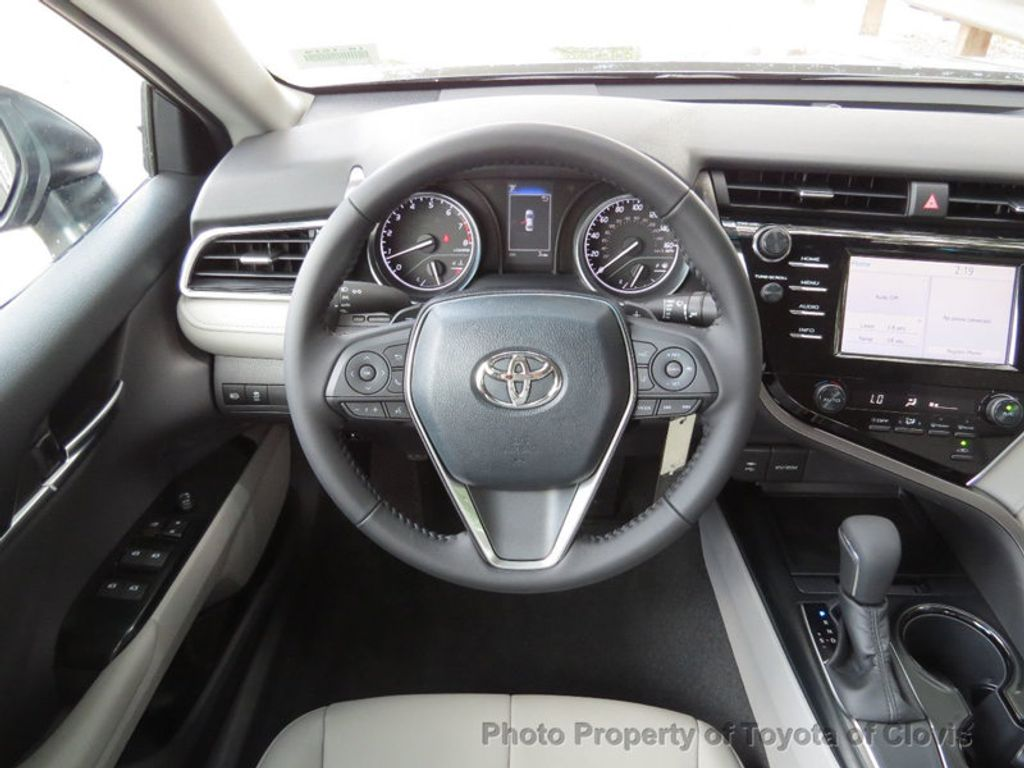 2018 Toyota Camry SE Automatic - 17634144 - 11