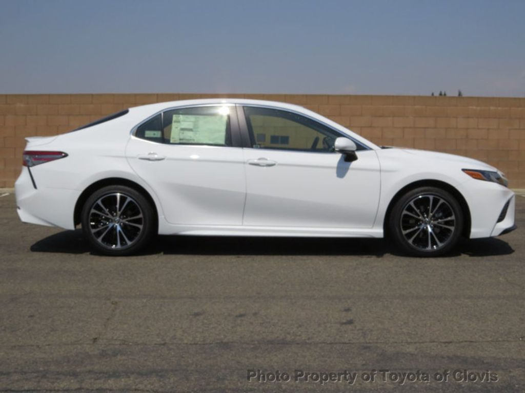 2018 Toyota Camry SE Automatic - 17674354 - 1