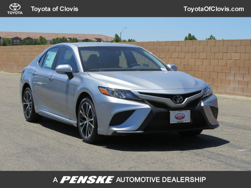 2018 Toyota Camry SE Automatic - 17827363 - 0