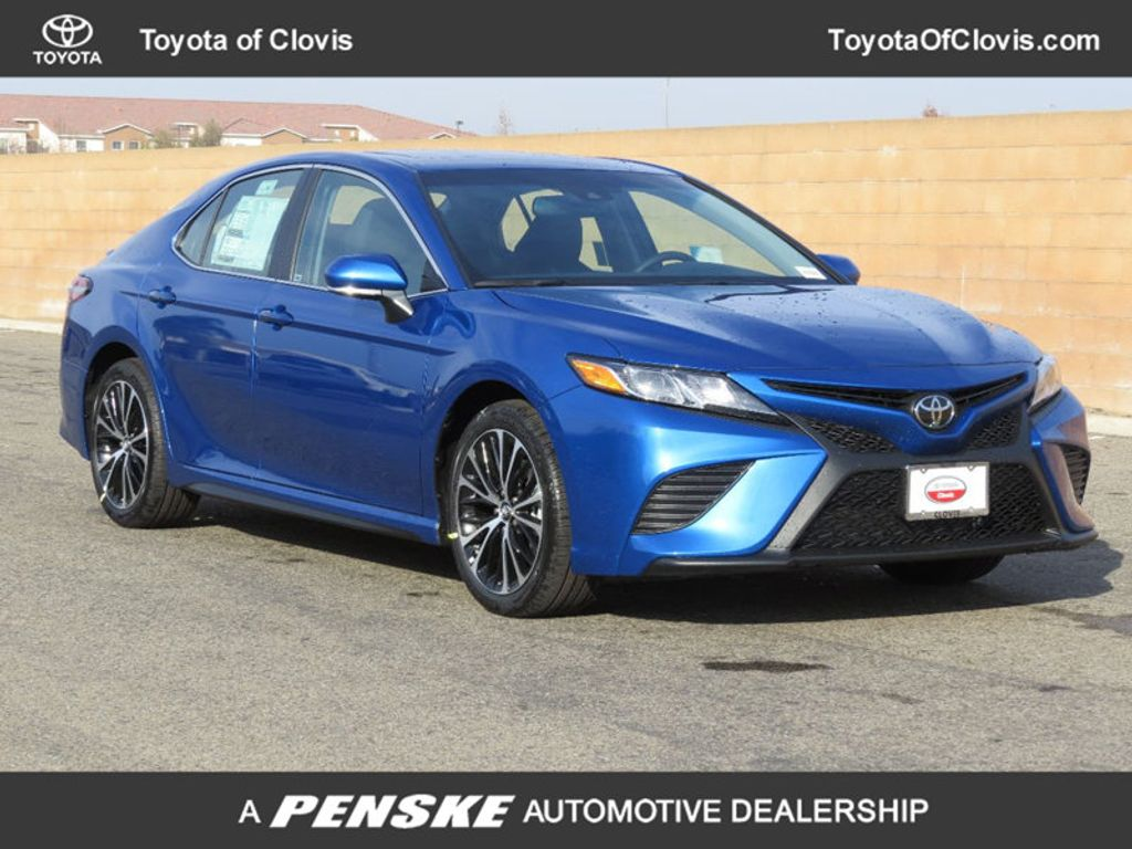 2018 Toyota Camry SE Automatic - 17850375 - 0