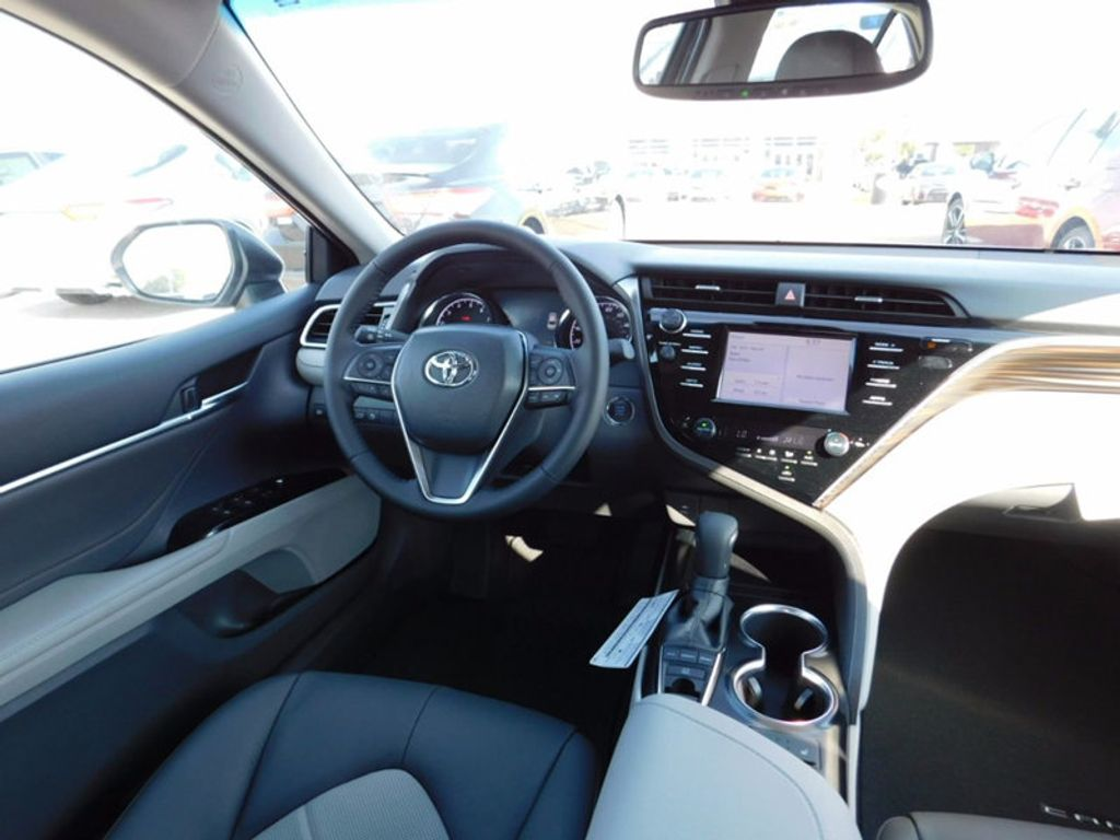 2018 Toyota Camry XLE Automatic - 16834502 - 10