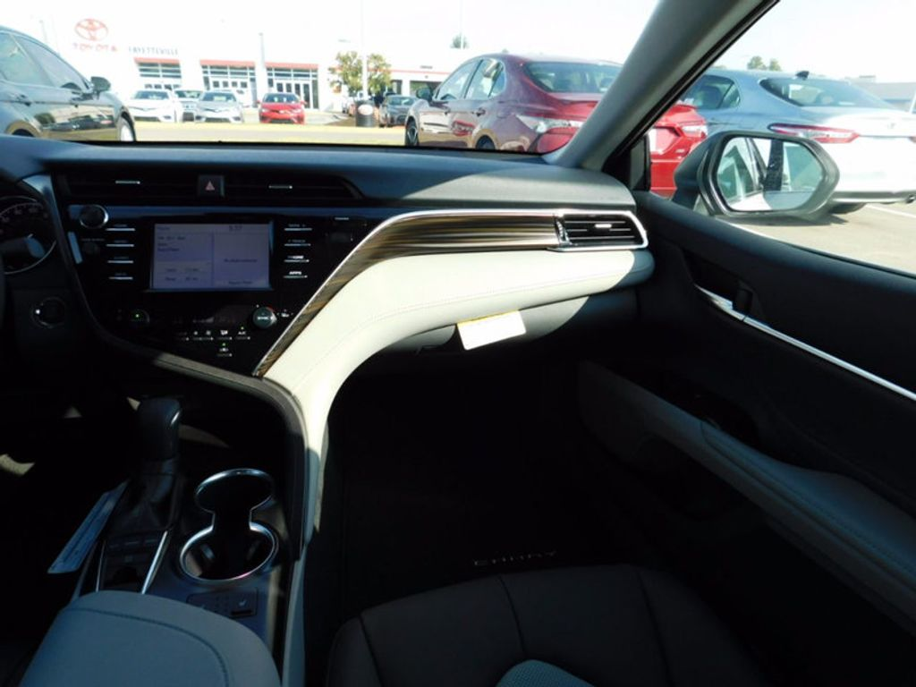 2018 Toyota Camry XLE Automatic - 16834502 - 11