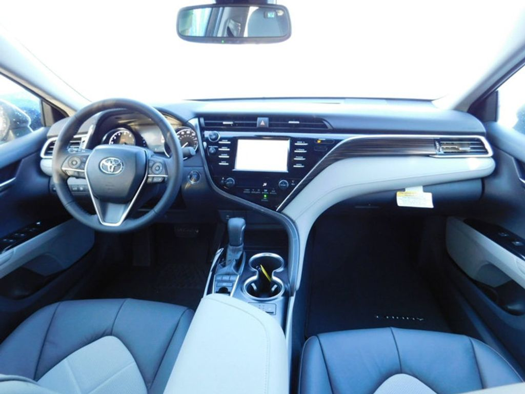 2018 Toyota Camry XLE Automatic - 17138501 - 9