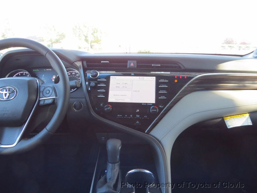 2018 Toyota Camry XLE Automatic - 16959271 - 10