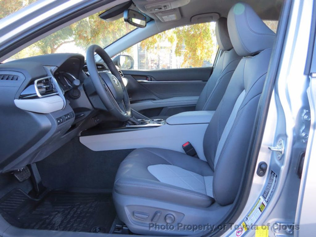 2018 Toyota Camry XLE Automatic - 16959271 - 3