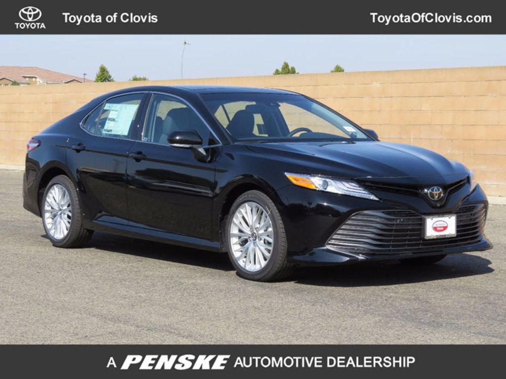 2018 Toyota Camry XLE V6 Automatic - 16842360 - 0