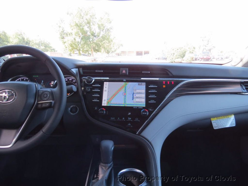 2018 Toyota Camry XLE V6 Automatic - 16842360 - 10