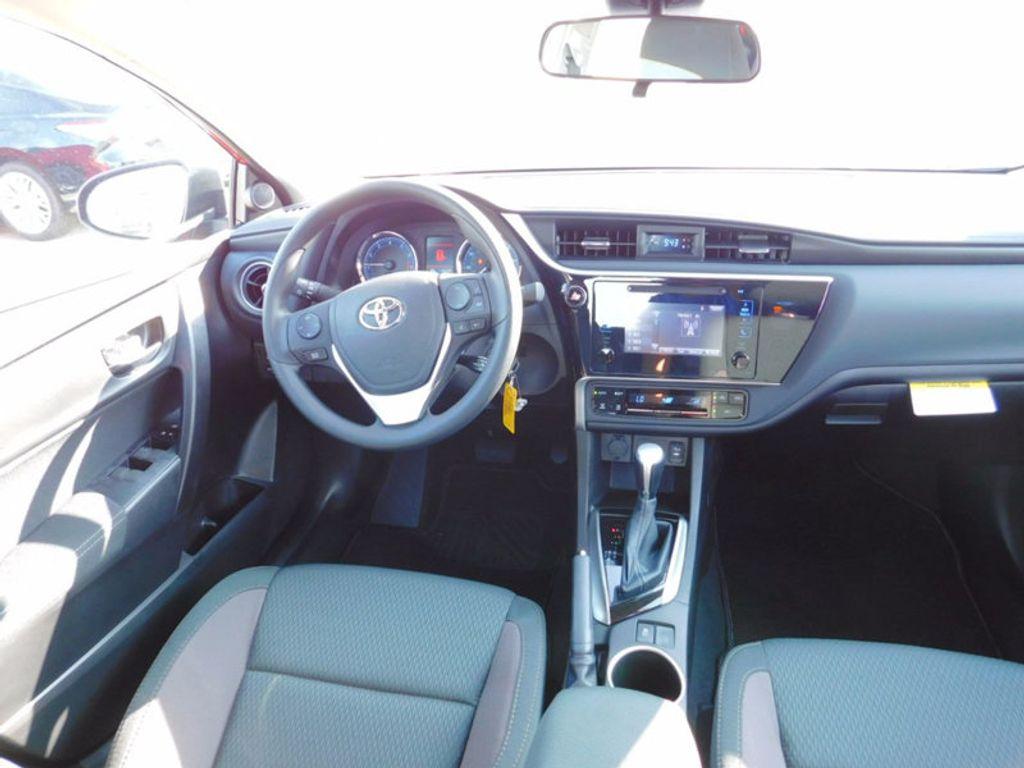 2018 Toyota Corolla LE CVT - 16834500 - 10