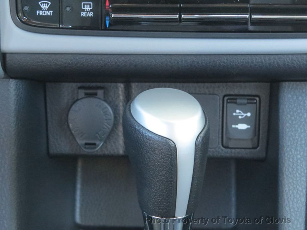 2018 Toyota Corolla LE CVT - 17162527 - 12