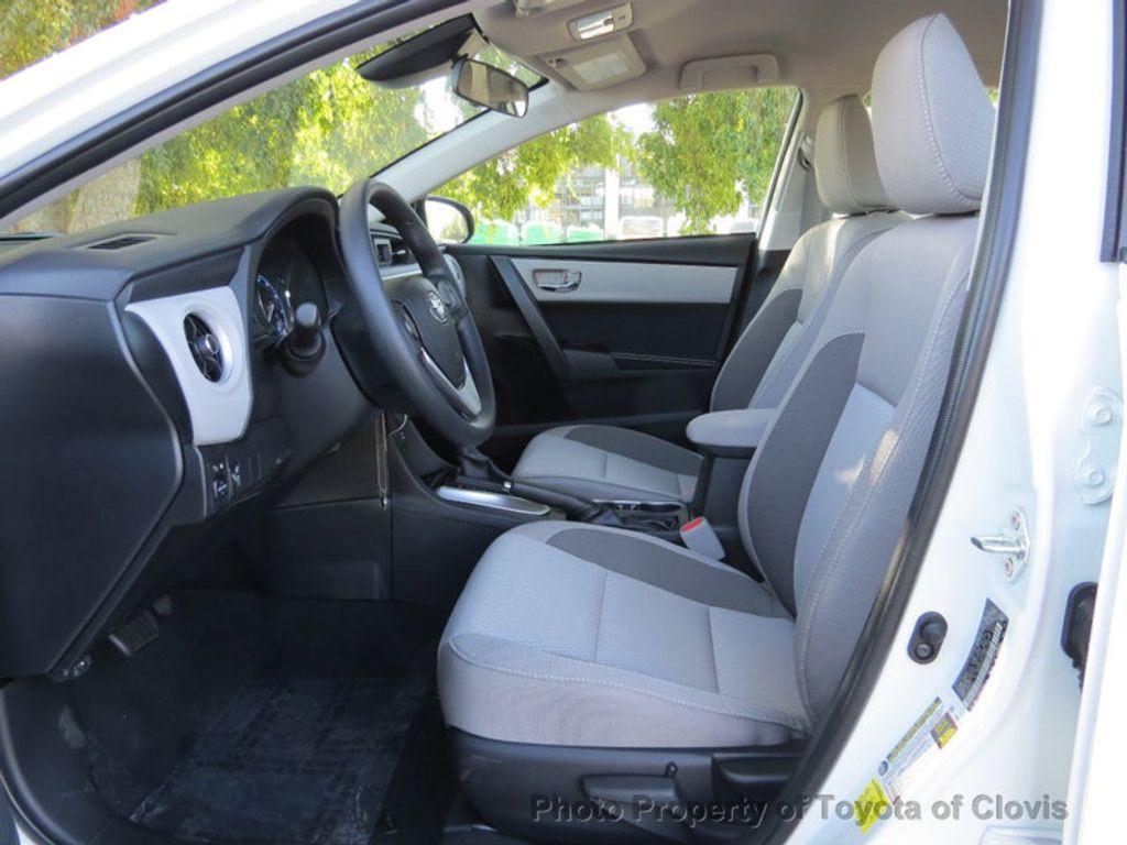 2018 Toyota Corolla LE CVT - 17162527 - 3