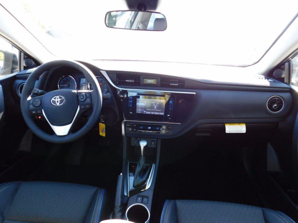 2018 Toyota Corolla SE CVT - 16954223 - 10