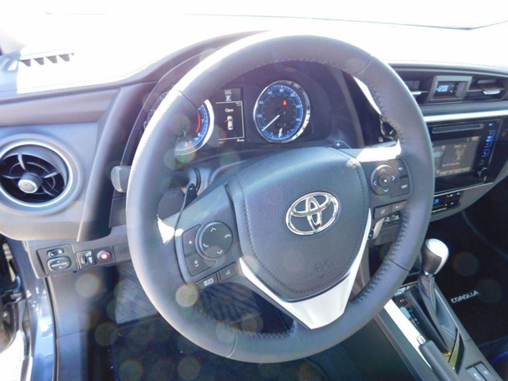 2018 Toyota Corolla SE CVT - 16954223 - 13