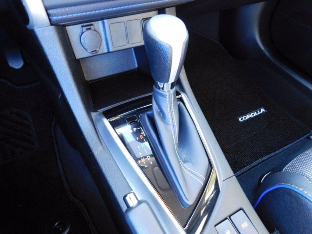 2018 Toyota Corolla SE CVT - 16954223 - 17