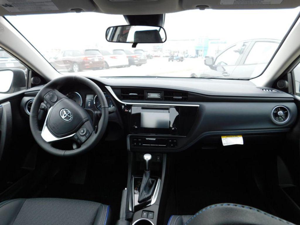 2018 Toyota Corolla SE CVT - 17138495 - 10