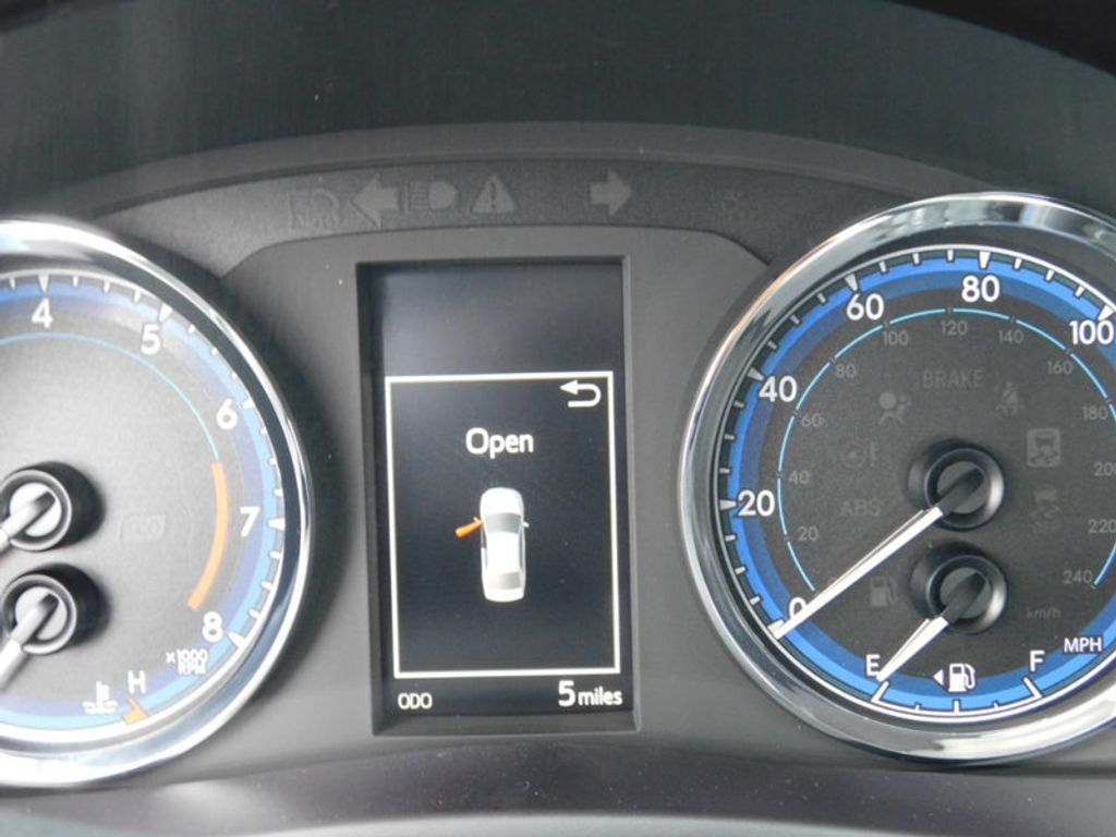 2018 Toyota Corolla SE CVT - 17138495 - 18