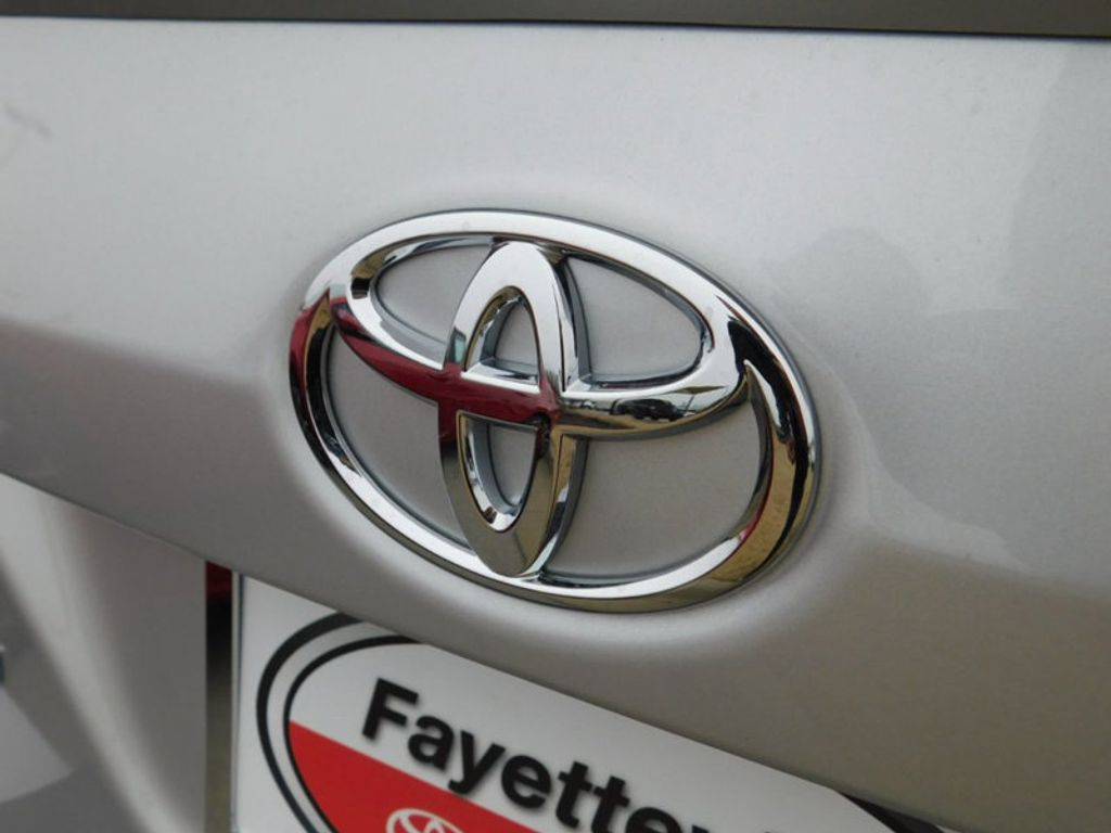 2018 Toyota Corolla SE CVT - 17138495 - 3