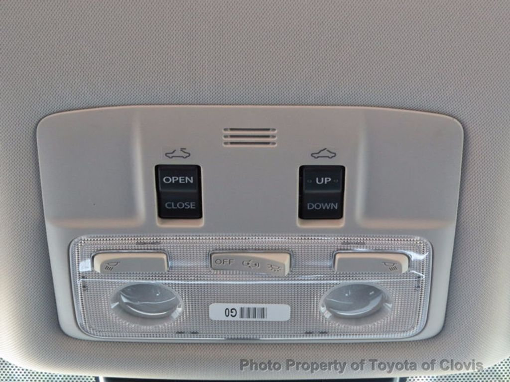 2018 Toyota Corolla XSE CVT - 16786743 - 18