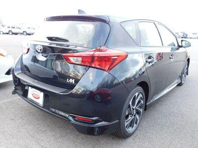 2018 Toyota Corolla iM CVT Sedan - Click to see full-size photo viewer