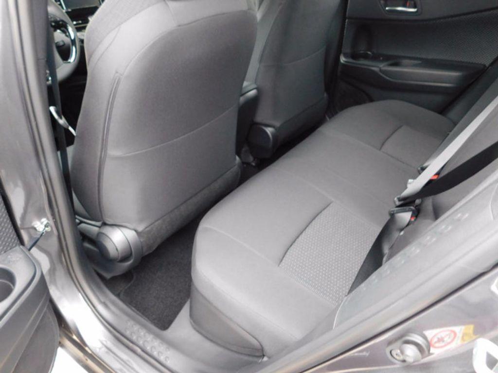 2018 Toyota C-HR XLE FWD - 16918708 - 9