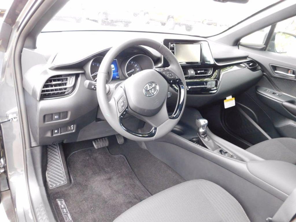 2018 Toyota C-HR XLE FWD - 16918708 - 12