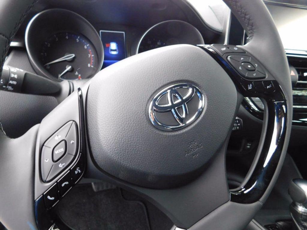 2018 Toyota C-HR XLE FWD - 16918708 - 13