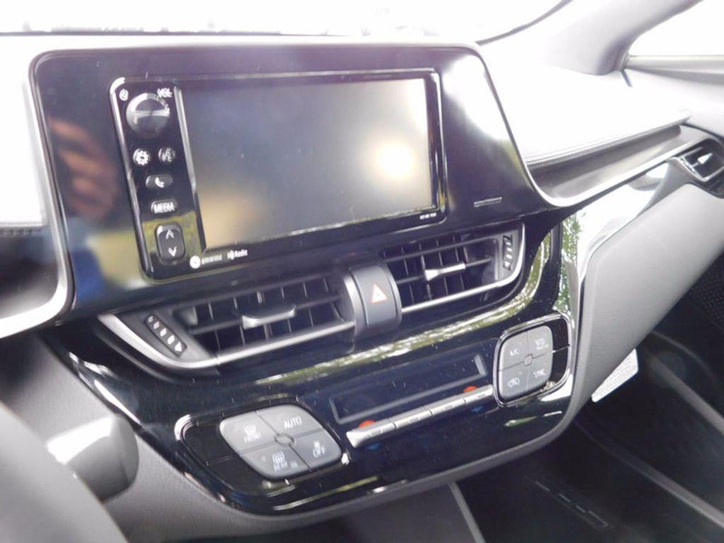 2018 Toyota C-HR XLE FWD - 16918708 - 14