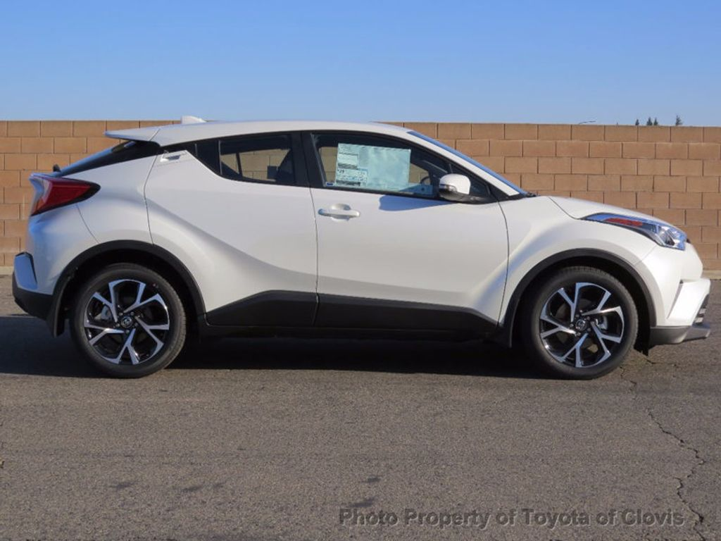 2018 Toyota C-HR XLE FWD - 16883914 - 1