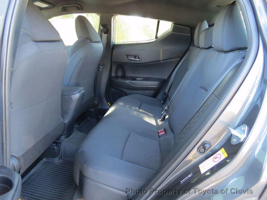 2018 Toyota C-HR XLE FWD - 16935068 - 9