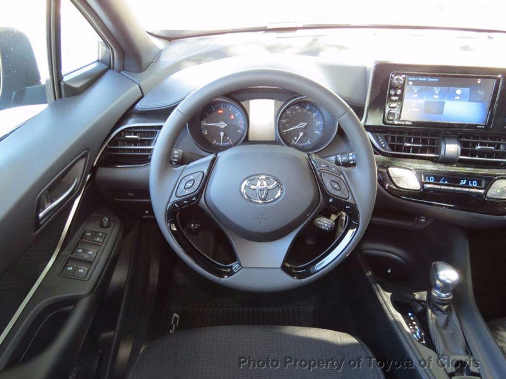 2018 Toyota C-HR XLE FWD - 16935068 - 10