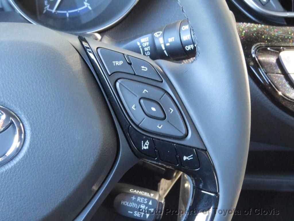 2018 Toyota C-HR XLE FWD - 16935068 - 11