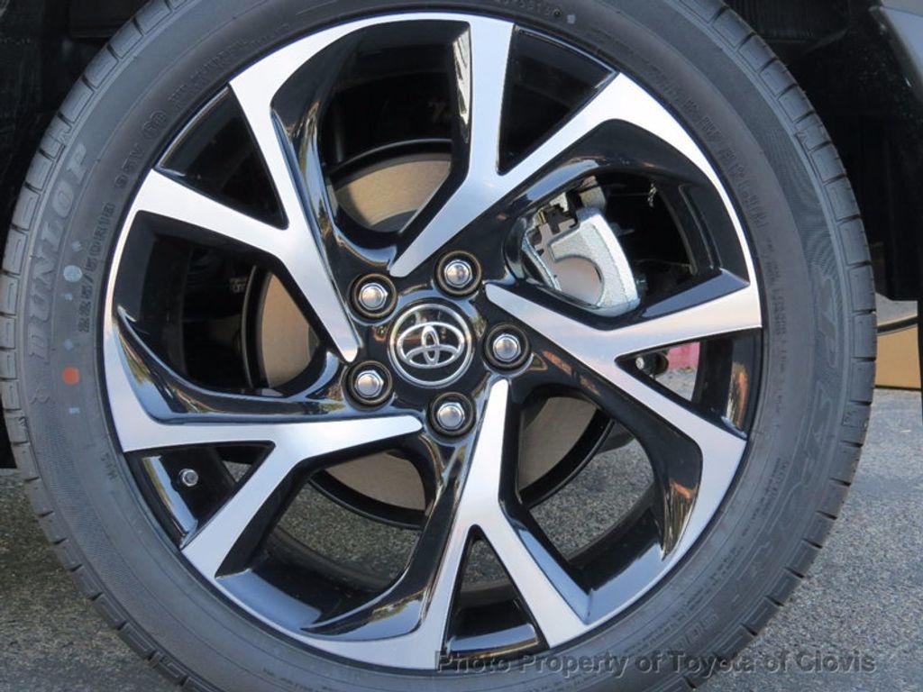 2018 Toyota C-HR XLE FWD - 17091782 - 19