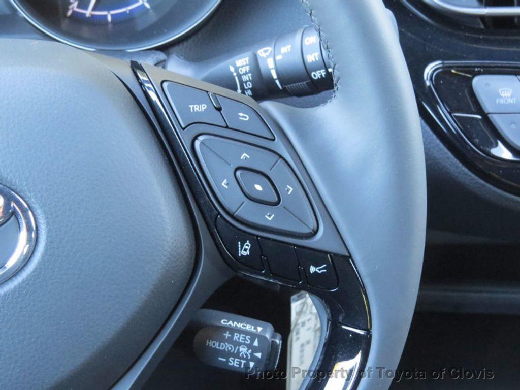 2018 Toyota C-HR XLE FWD - 17091782 - 6