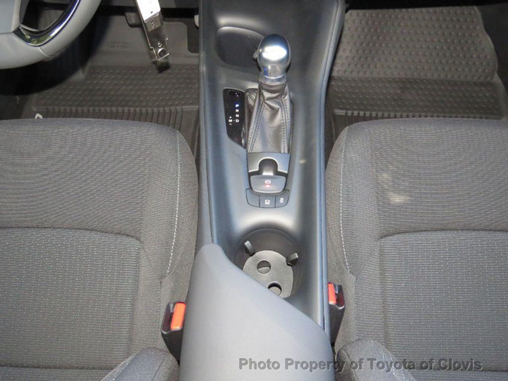2018 Toyota C-HR XLE FWD - 17266016 - 13