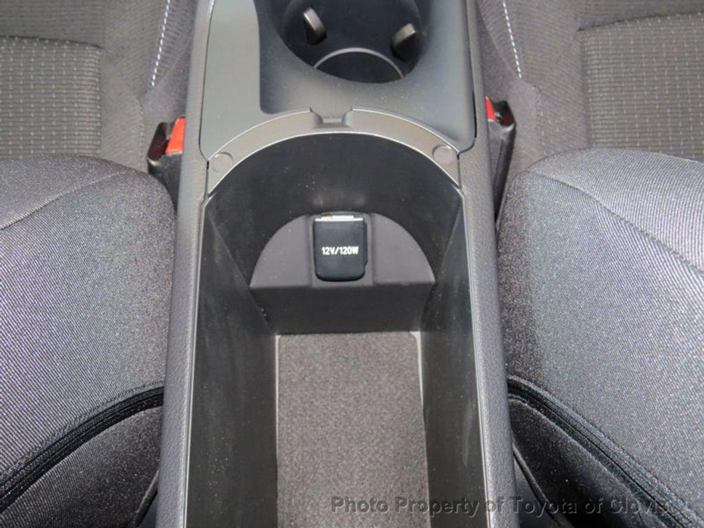 2018 Toyota C-HR XLE Premium FWD - 17340963 - 14