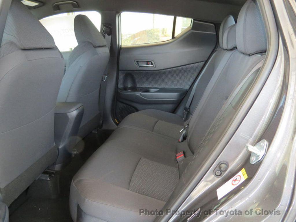 2018 Toyota C-HR XLE Premium FWD - 17340963 - 3