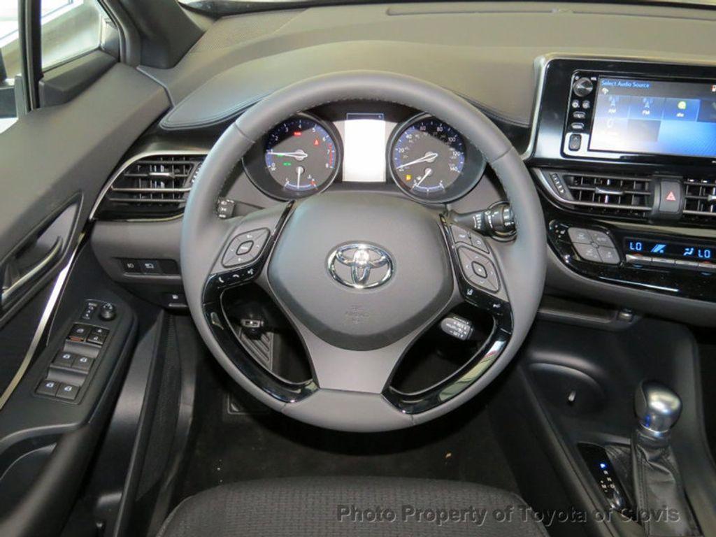 2018 Toyota C-HR XLE Premium FWD - 17340963 - 4