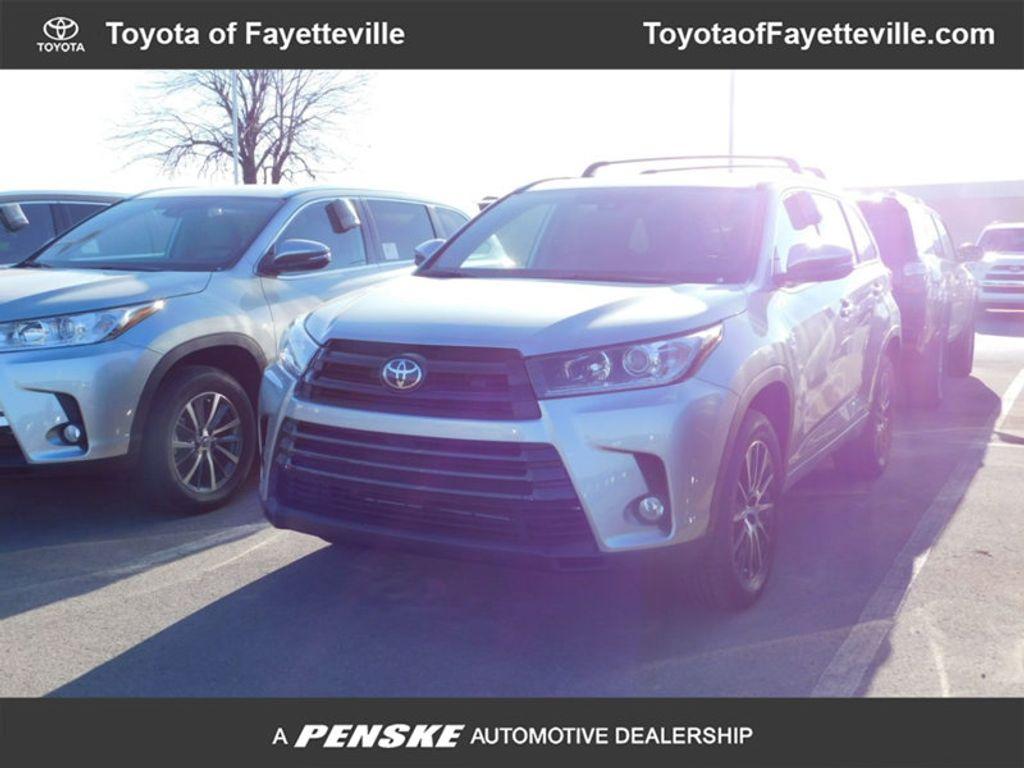 2018 Toyota Highlander SE V6 FWD - 17161993 - 0
