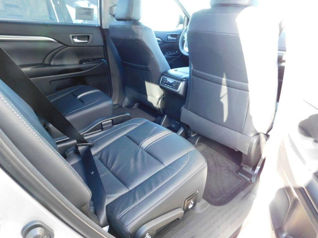 2018 Toyota Highlander SE V6 FWD - 17161993 - 9