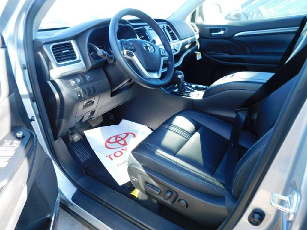 2018 Toyota Highlander SE V6 FWD - 17161993 - 12