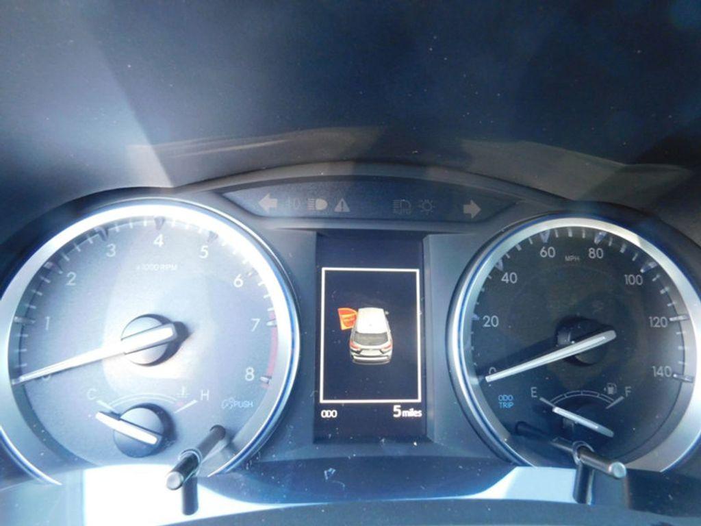 2018 Toyota Highlander SE V6 FWD - 17161993 - 19