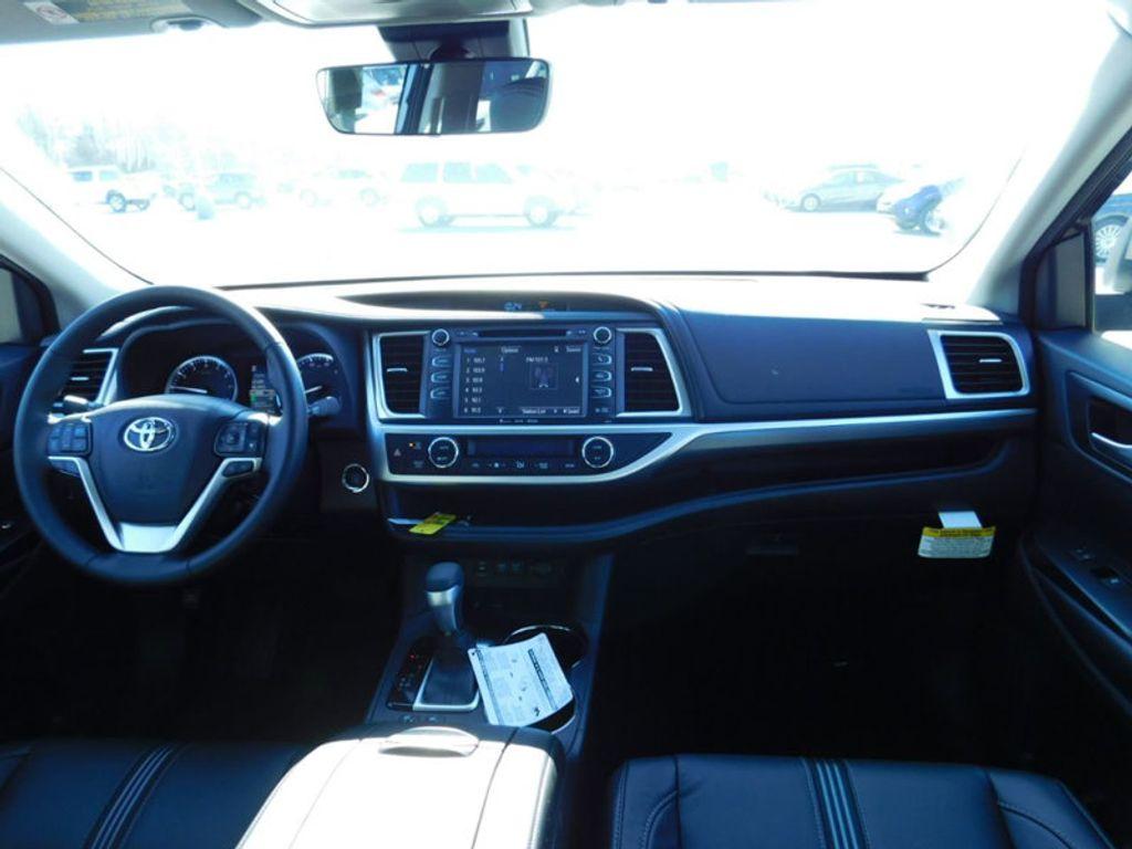 2018 Toyota Highlander SE V6 FWD - 17314374 - 11