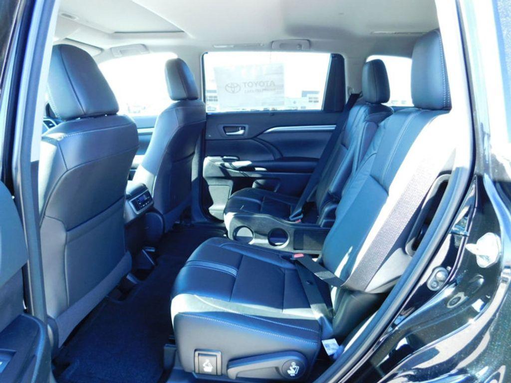 2018 Toyota Highlander SE V6 FWD - 17314374 - 12