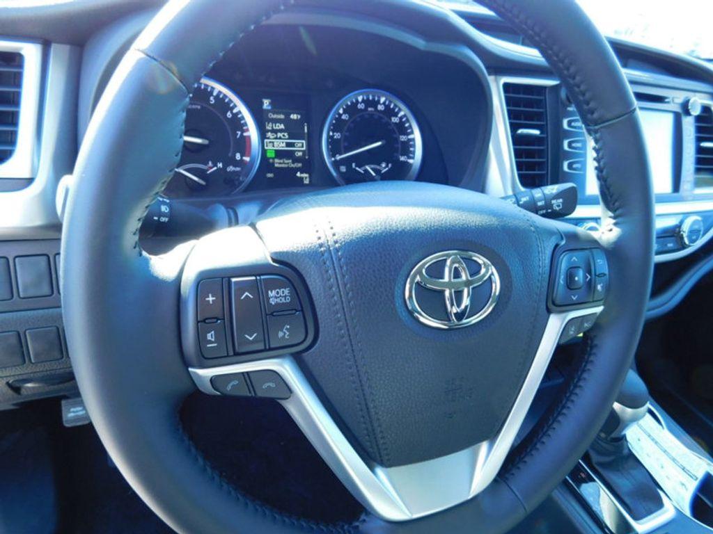 2018 Toyota Highlander SE V6 FWD - 17314374 - 15