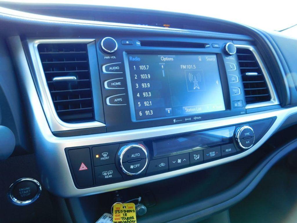 2018 Toyota Highlander SE V6 FWD - 17314374 - 19