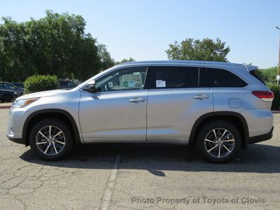 2018 Toyota Highlander XLE V6 AWD SUV - Click to see full-size photo viewer