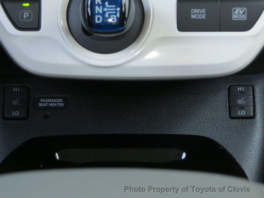 2018 Toyota Prius Four - 17254630 - 14