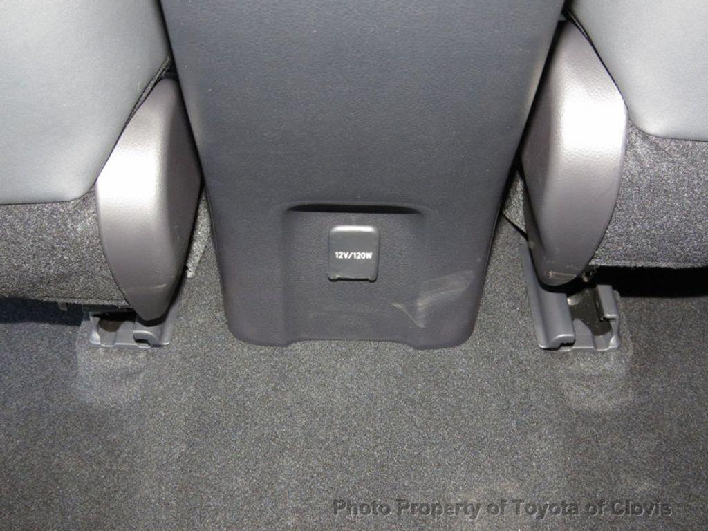 2018 Toyota Prius Four - 17254630 - 18