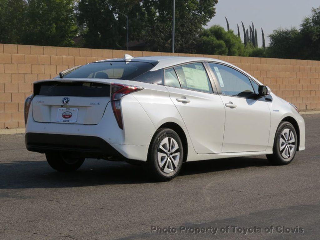 2018 Toyota Prius Four - 17254630 - 2