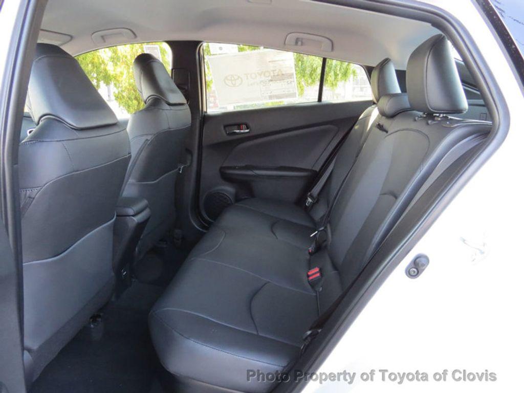 2018 Toyota Prius Four - 17254630 - 5